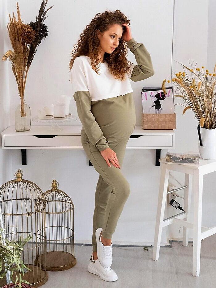 Bluzy ciążowe dostępne w różnych kolorach i fasonach